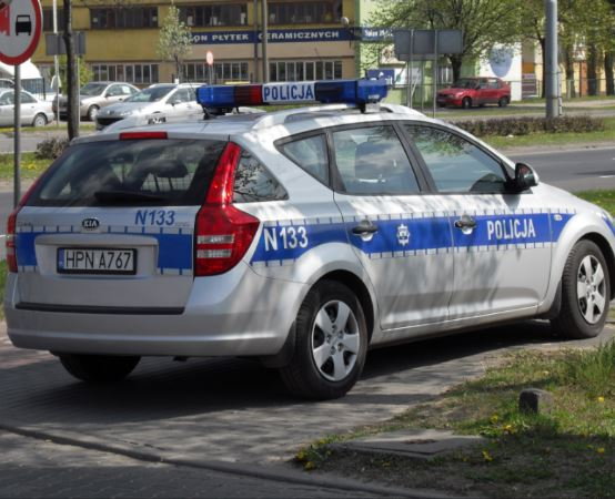 Policja Tarnowskie Góry: Dwie osoby ranne po zderzeniu samochodu osobowego z ciężarówką