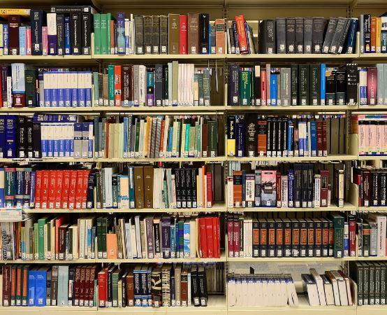 Biblioteka Tarnowskie Góry: DYSKUSYJNY KLUB KSIĄŻKI