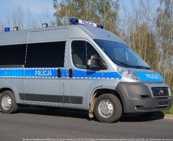 Policja Tarnowskie Góry: Pijany uciekał policjantom. W samochodzie były małe dzieci