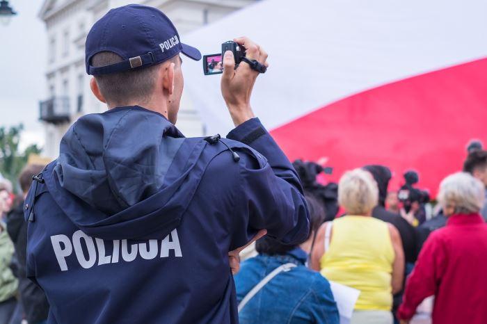 Policja Tarnowskie Góry: Życzenia Wielkanocne Komendanta Wojewódzkiego Policji w Katowicach insp. Romana Rabsztyna